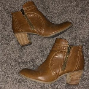 Light brown booties, size 7